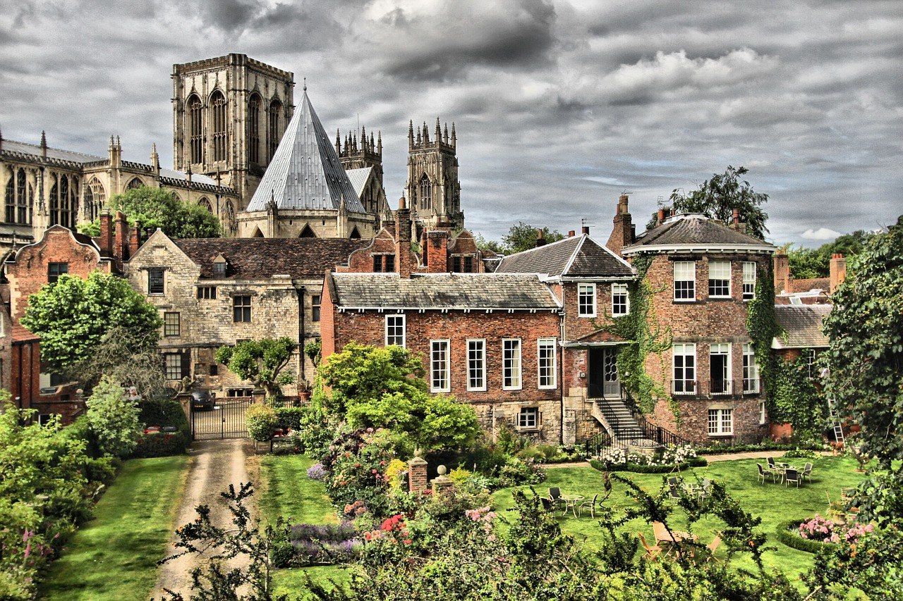 a short history of york a city in england History of british colonial america including virginia, pilgrim fathers, massachusetts and new england, dutch in america, proprietary colonies, pennsylvania, albany and the iroquois, franklin's plan.