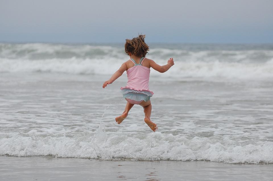 Ragazza, Beach, Ocean, Onde, Jumping, Costume Da Bagno