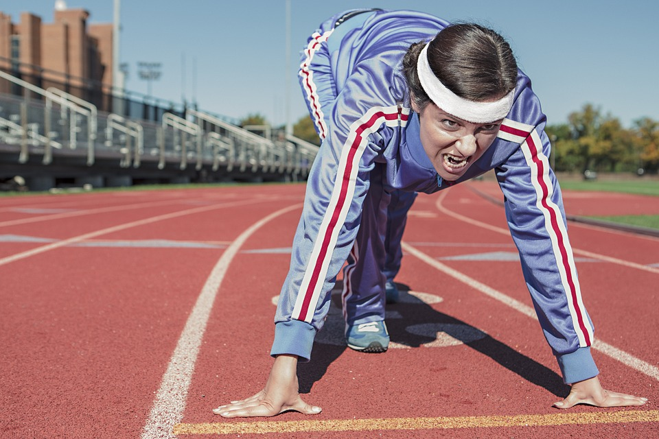 女性, 運動選手, 実行している, 運動, スプリント, 噴石トラック, Cinderpath, 開始