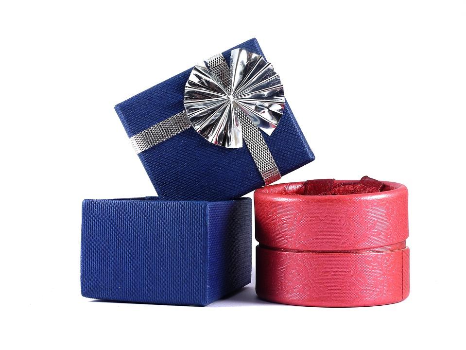 Anniversary Ideas Gift Box