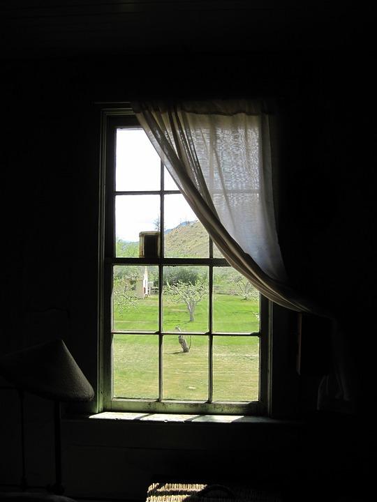 venster gordijn gordijnen oude appartement