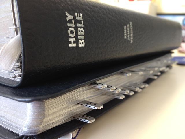 Bible Books Study 183 Free Photo On Pixabay
