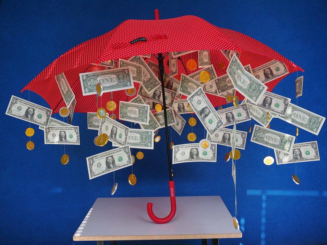 Поздравление на свадьбу с зонтом из денег