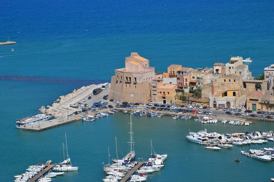 Harbor attraction in Trapani