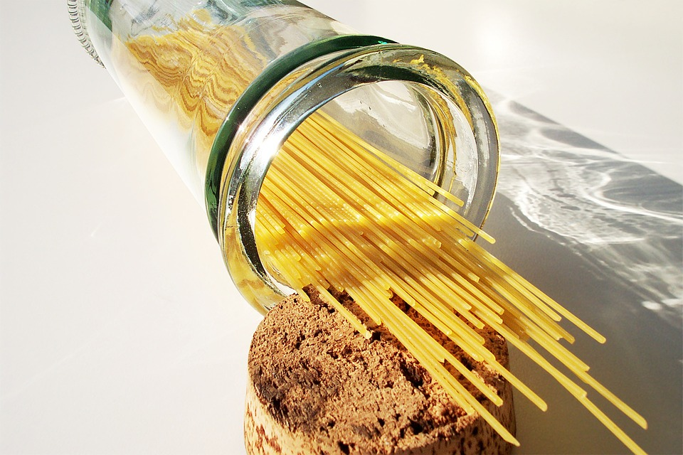 kostenloses foto spaghetti nudeln pasta glas kostenloses bild auf pixabay 507764. Black Bedroom Furniture Sets. Home Design Ideas