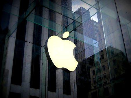 """Les Apple Stores proposent désormais des rendez-vous """"avec un spécialiste""""."""