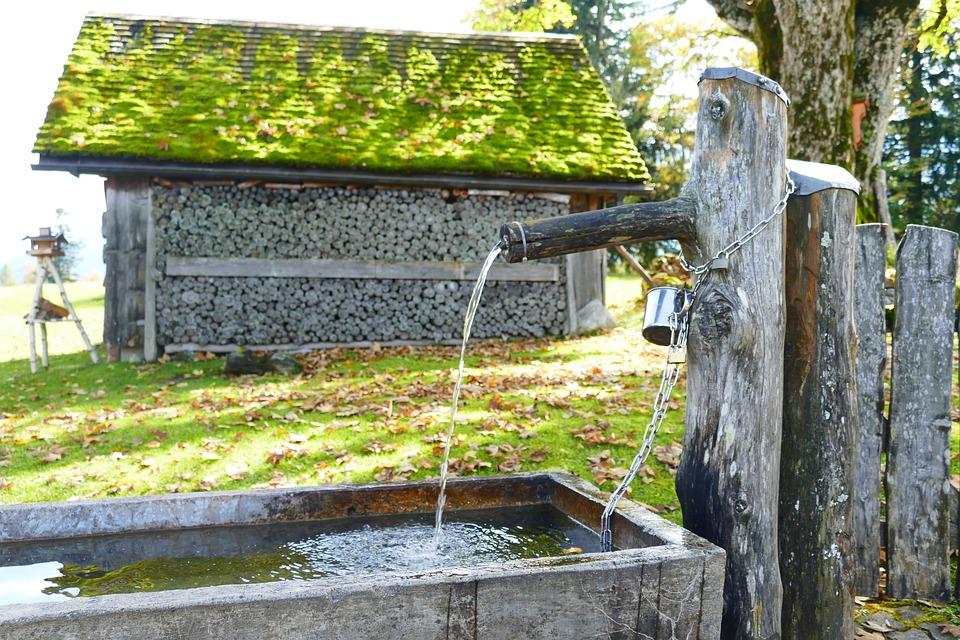 Kostenloses Foto: Brunnen, Holz, Vorrat, Hütte - Kostenloses Bild
