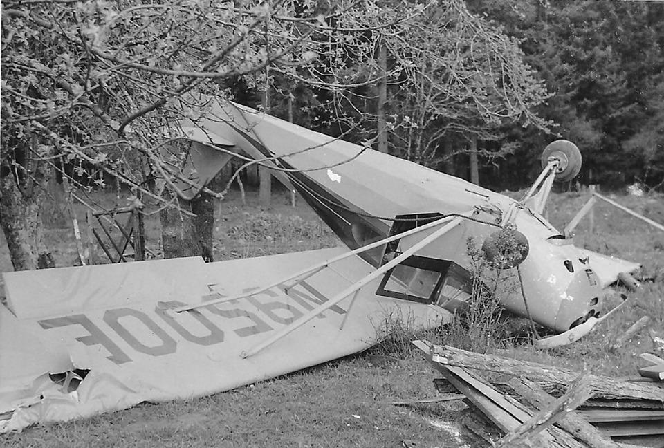 Plane Crash, Accident, Bad Landing, Airplane, Wreck