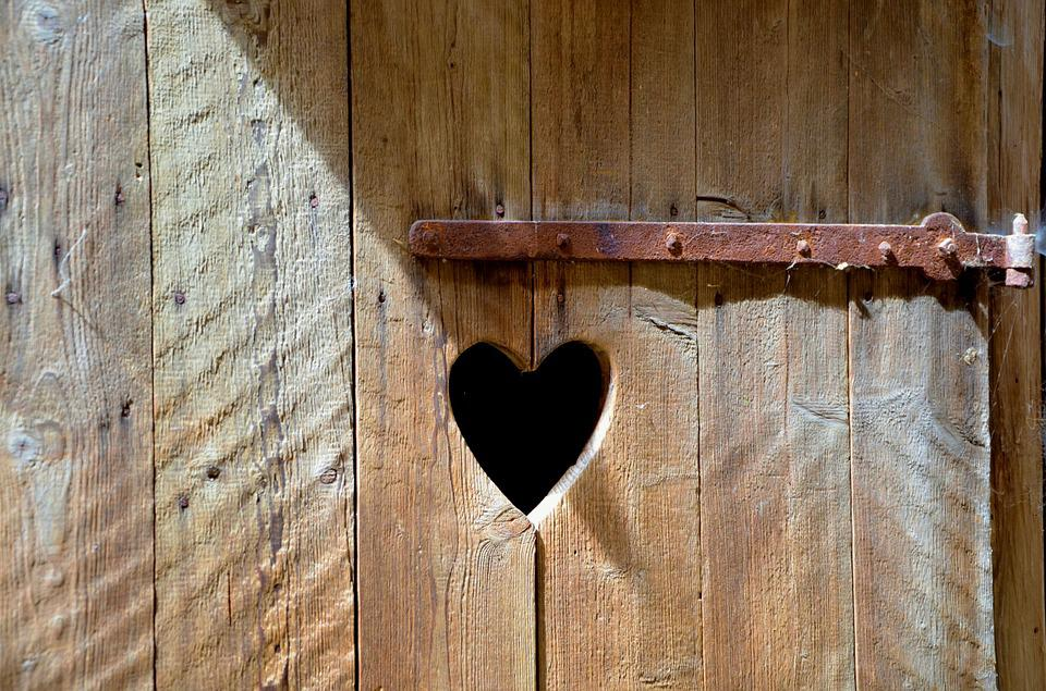 Door Old Wooden Door Heart Toilet Rusty Wood & Free photo: Door Old Wooden Door Heart - Free Image on Pixabay ... pezcame.com