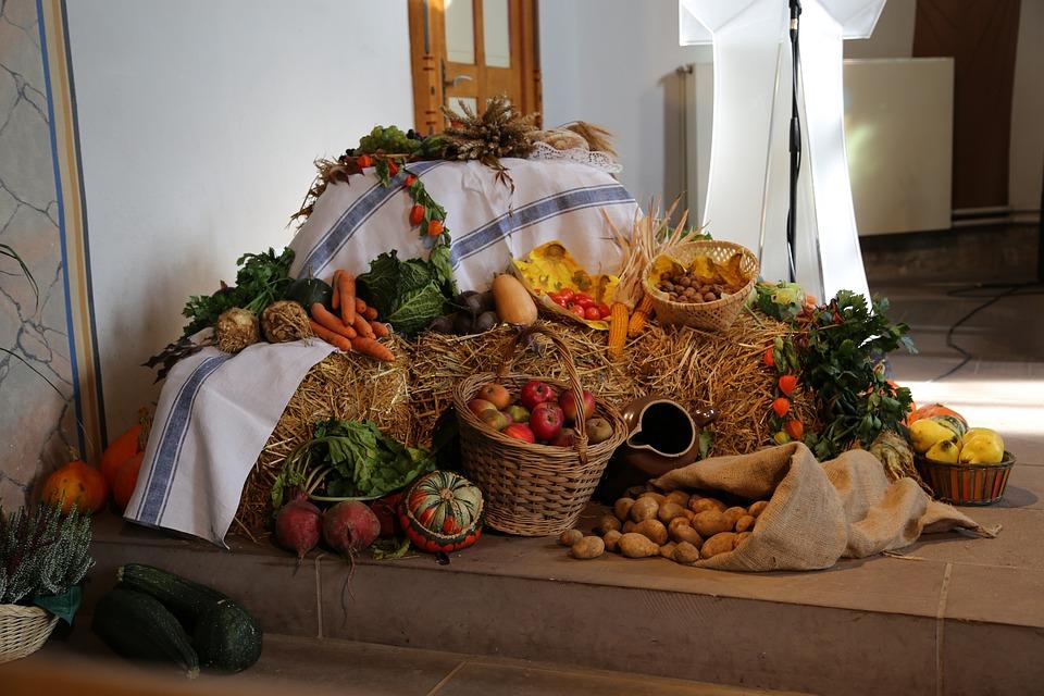 Thanksgiving church deco · free photo on pixabay