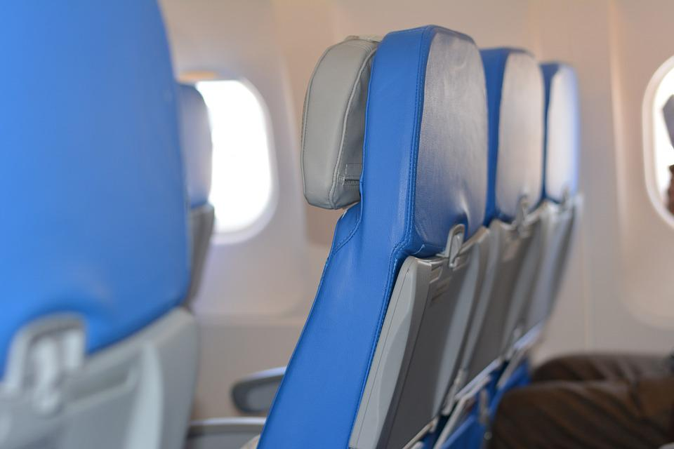 Sandaran kursi pesawat