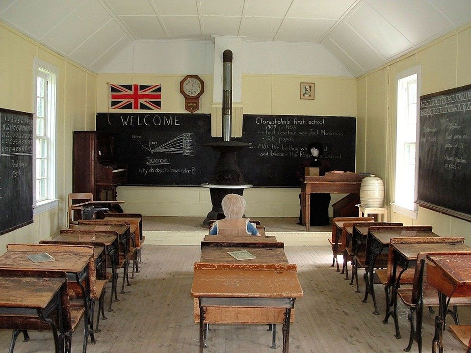 Free photo old school room school room free image on for Design interieur cours