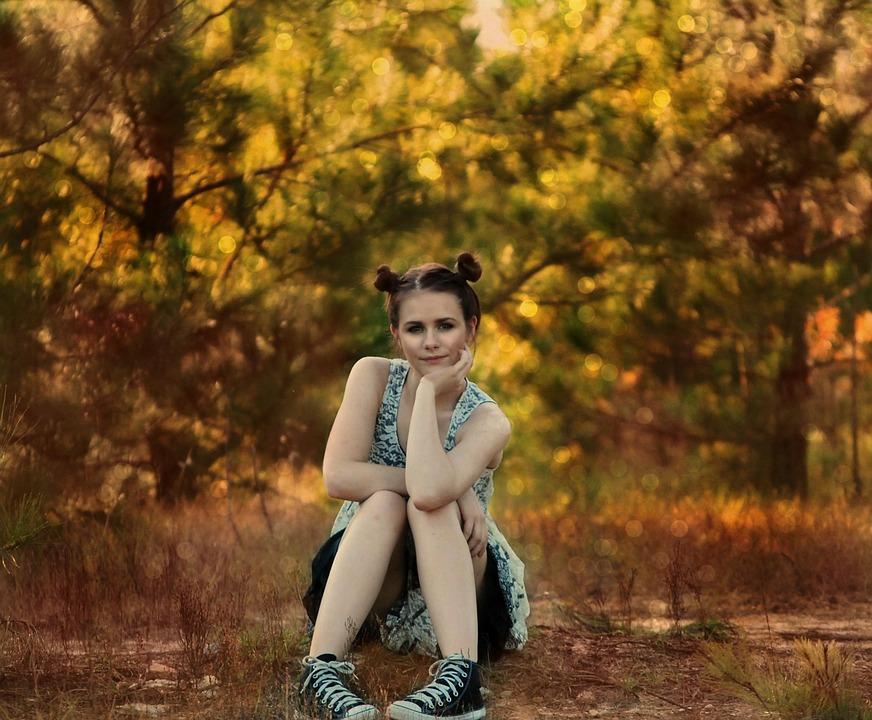 Dievča, Posedenie, Lode, Stromy, Lesy, Krajiny, Mladý