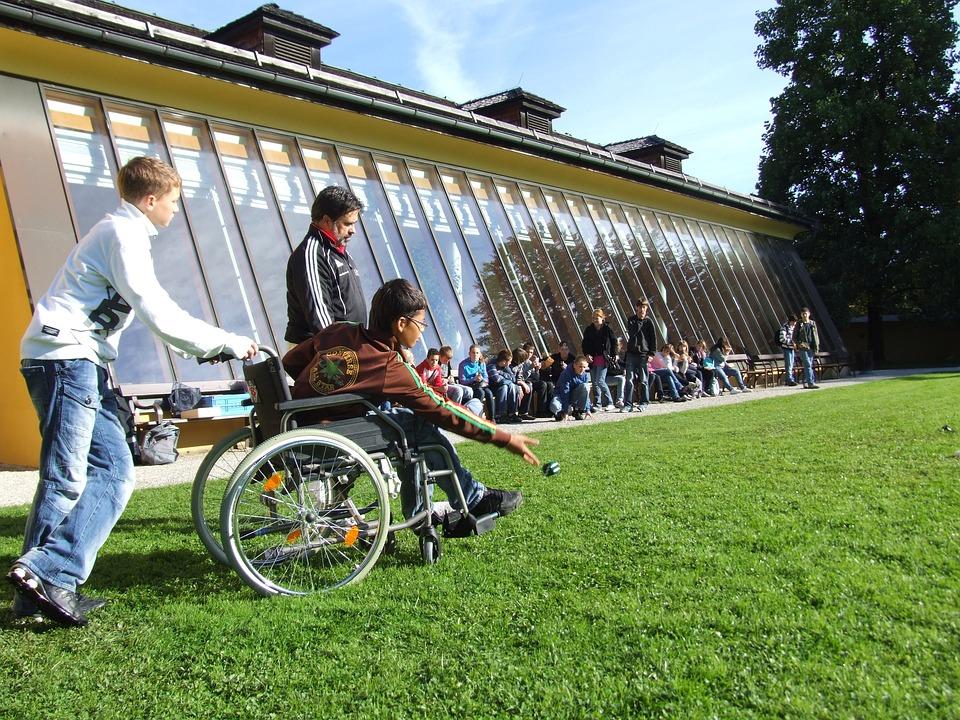 Personnes En Chaise Roulante Handicaps Sport Active
