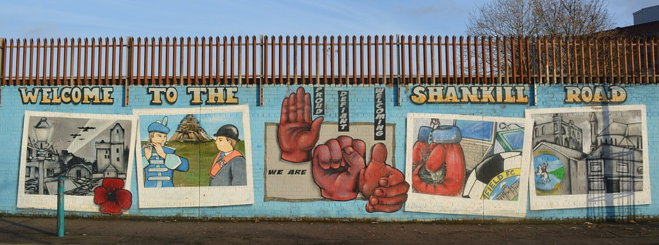 Photo gratuite peinture murale belfast conflit image for Les differents types de peintures murales