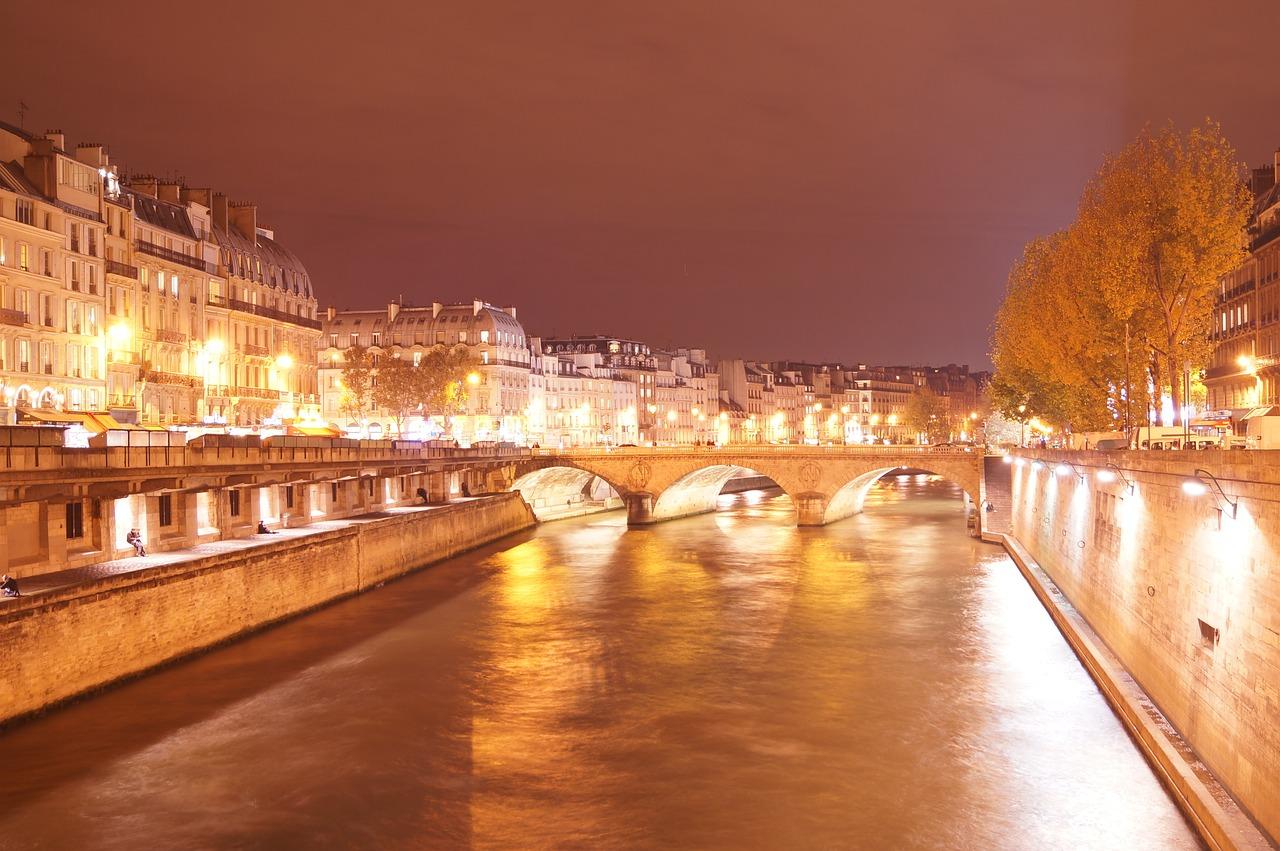очень река сена ночью фото считать