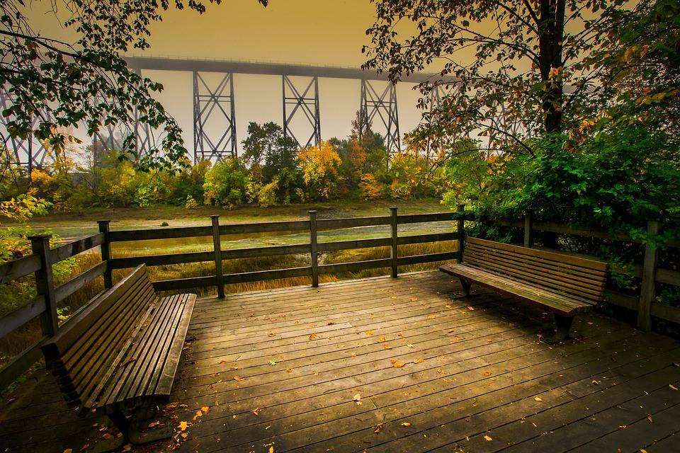 https://cdn.pixabay.com/photo/2014/11/30/19/59/landscape-552055_960_720.jpg