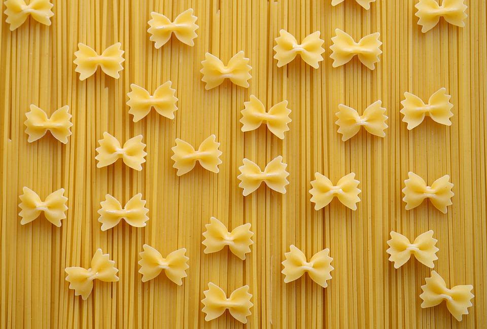 Pasta, Spaghetti, Farfalle, Nudeln, Kohlenhydrate, Gelb