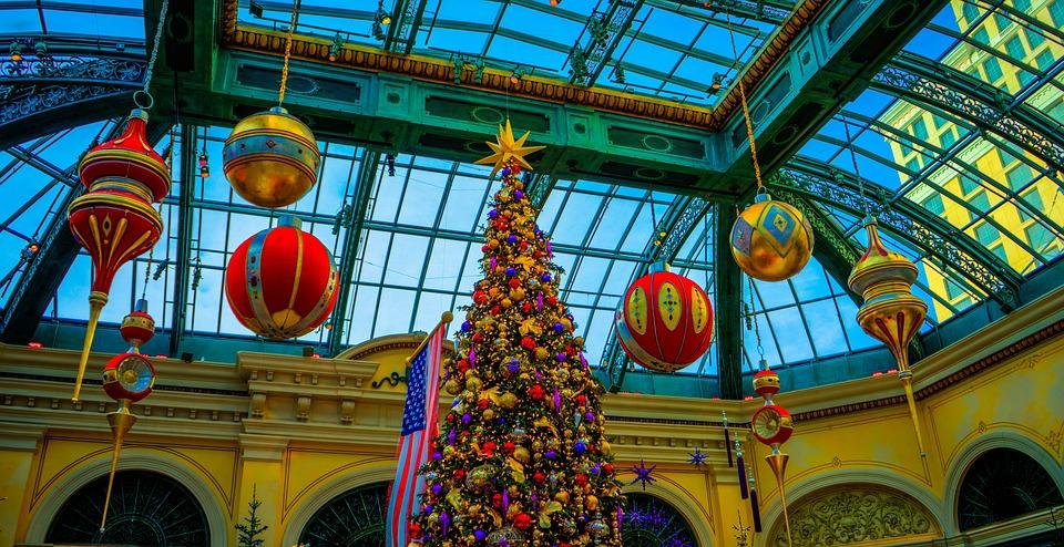 bellagio las vegas christmas tree decoration famous - Las Vegas Christmas 2014