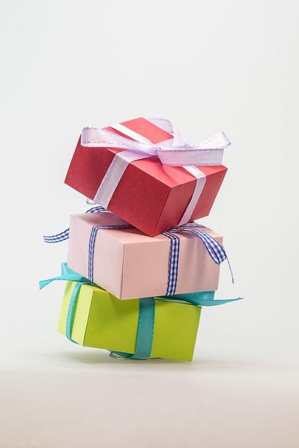 kostenloses foto p ckchen geschenk paket schleife kostenloses bild auf pixabay 570793. Black Bedroom Furniture Sets. Home Design Ideas