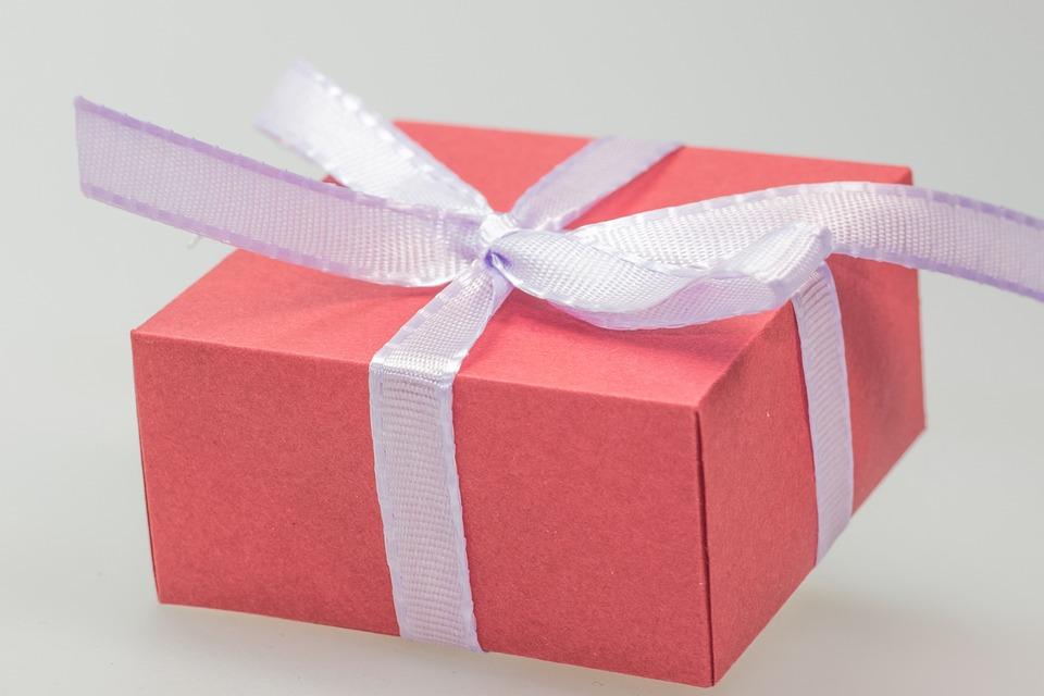 kostenloses foto geschenk paket p ckchen schleife. Black Bedroom Furniture Sets. Home Design Ideas