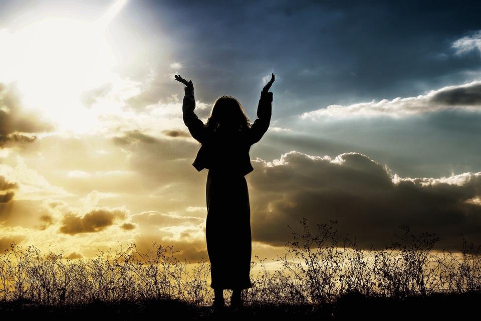 여자, 기도, 믿음, 하나님, 사람, 선셋, 찬양, 하늘, 실루엣, 예배, 종교, 평화, 햇빛