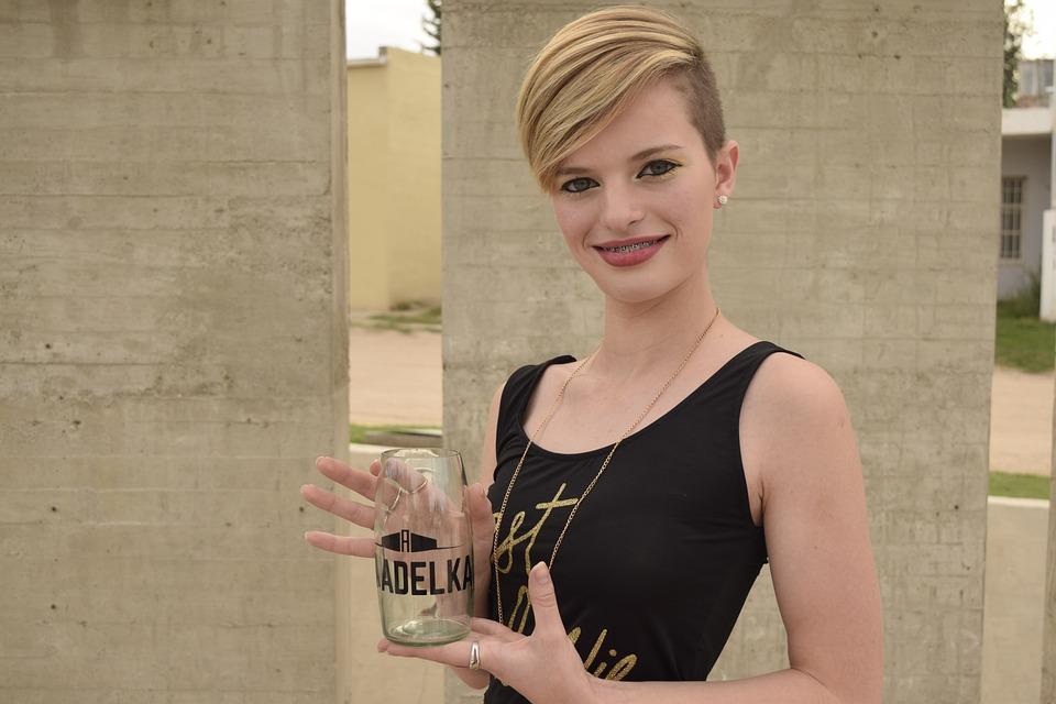 Young Teen Face Pretty Women Sensual Model Bella