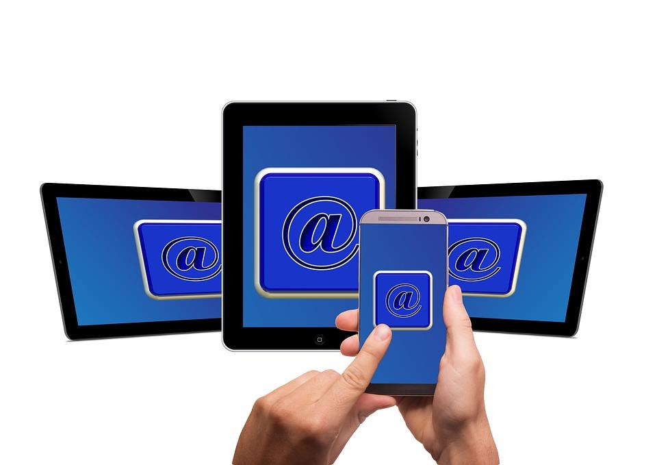 携帯電話, スマート フォン, タブレット, 白, タッチ スクリーン, 計算されました, で, メール