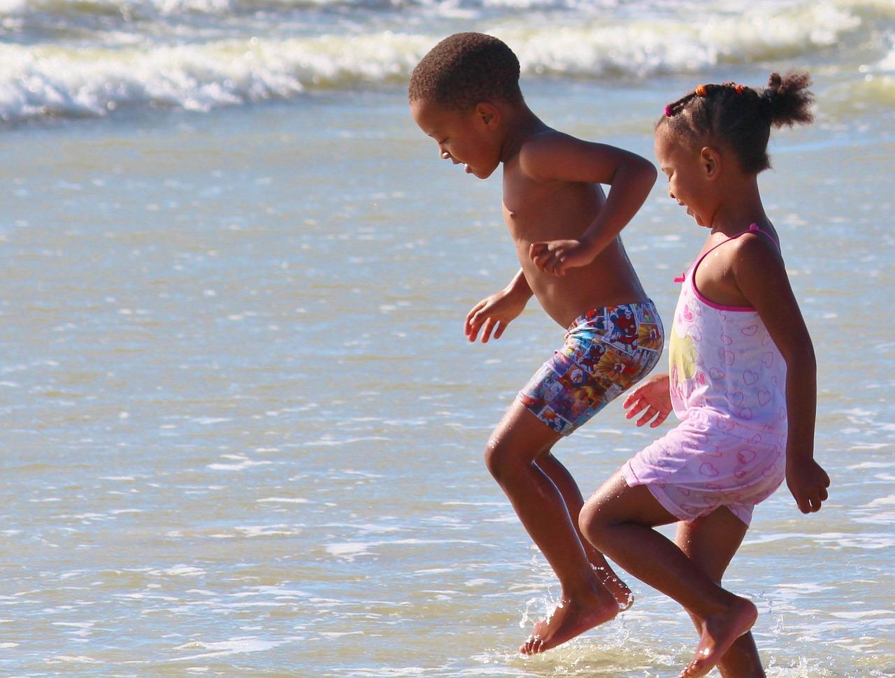 фото дикий пляж пары с детьми нами