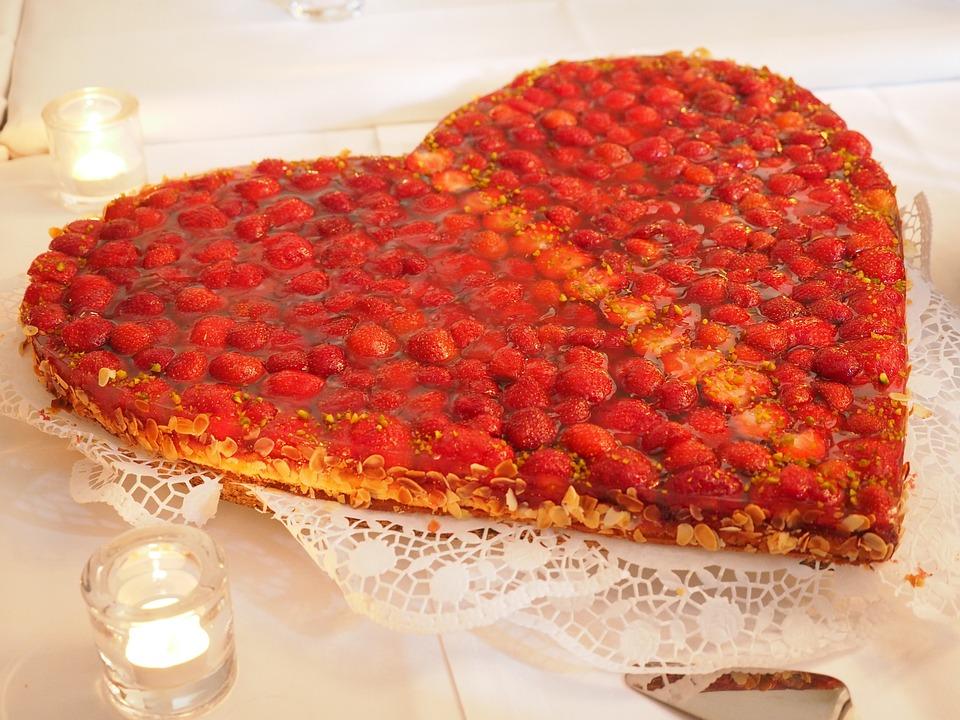 Erdbeerkuchen Kuchen Herz Kostenloses Foto Auf Pixabay
