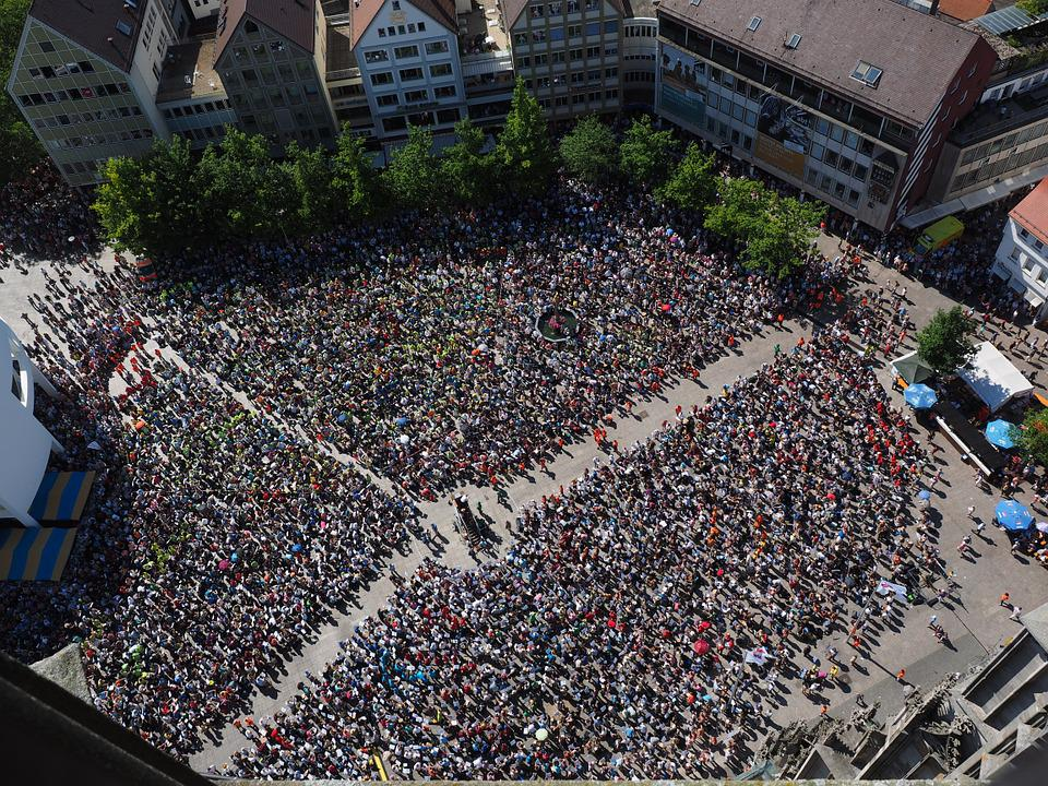 Münsterplatz, Ulm, Menschen, Menschenmassen, Ansammlung