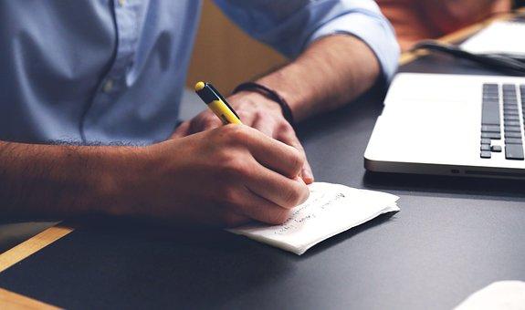 男, 書き込み, 計画, デスク, ノート, ペン, メモを取ります, オフィス