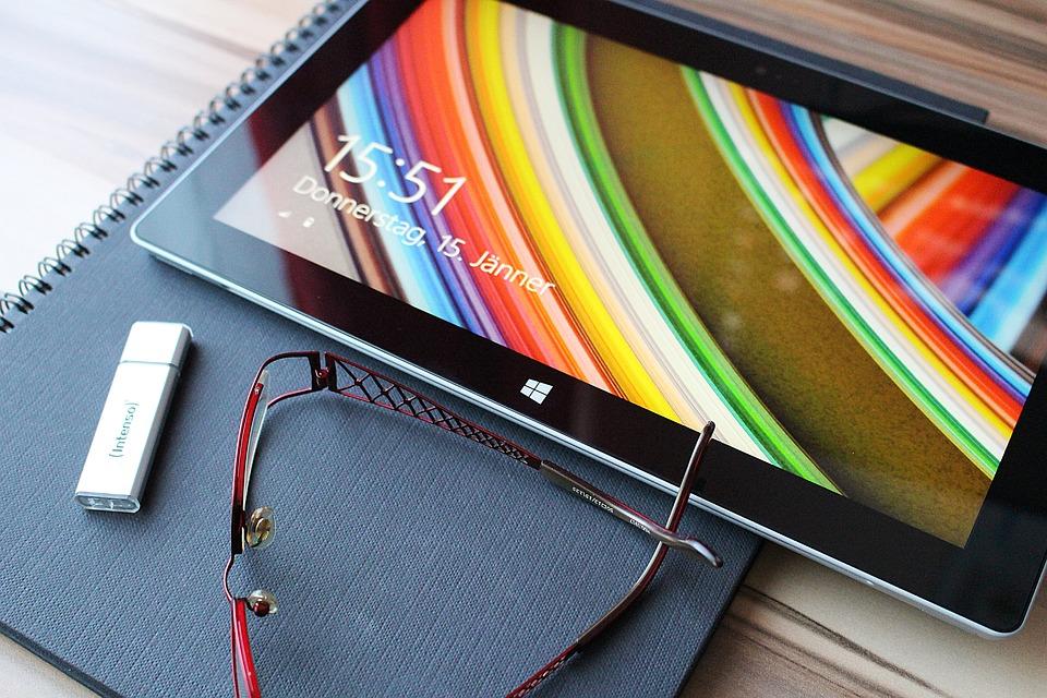 Photo gratuite tablette cran tactile image gratuite for Photo ecran tablette