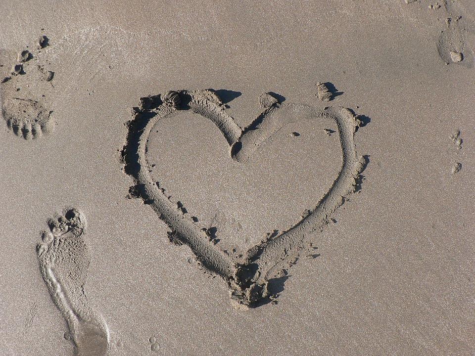 Eu Te Amo Escrito Na Areia Imagens De Stock Royalty Free: Free Photo: Sand, Heart, Footprint, Beach