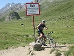 border, mountain bike