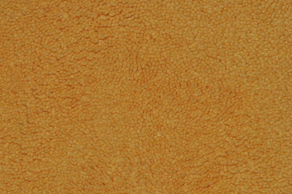Mitä eroa on synteettisten kuitujen ja muovien välillä?