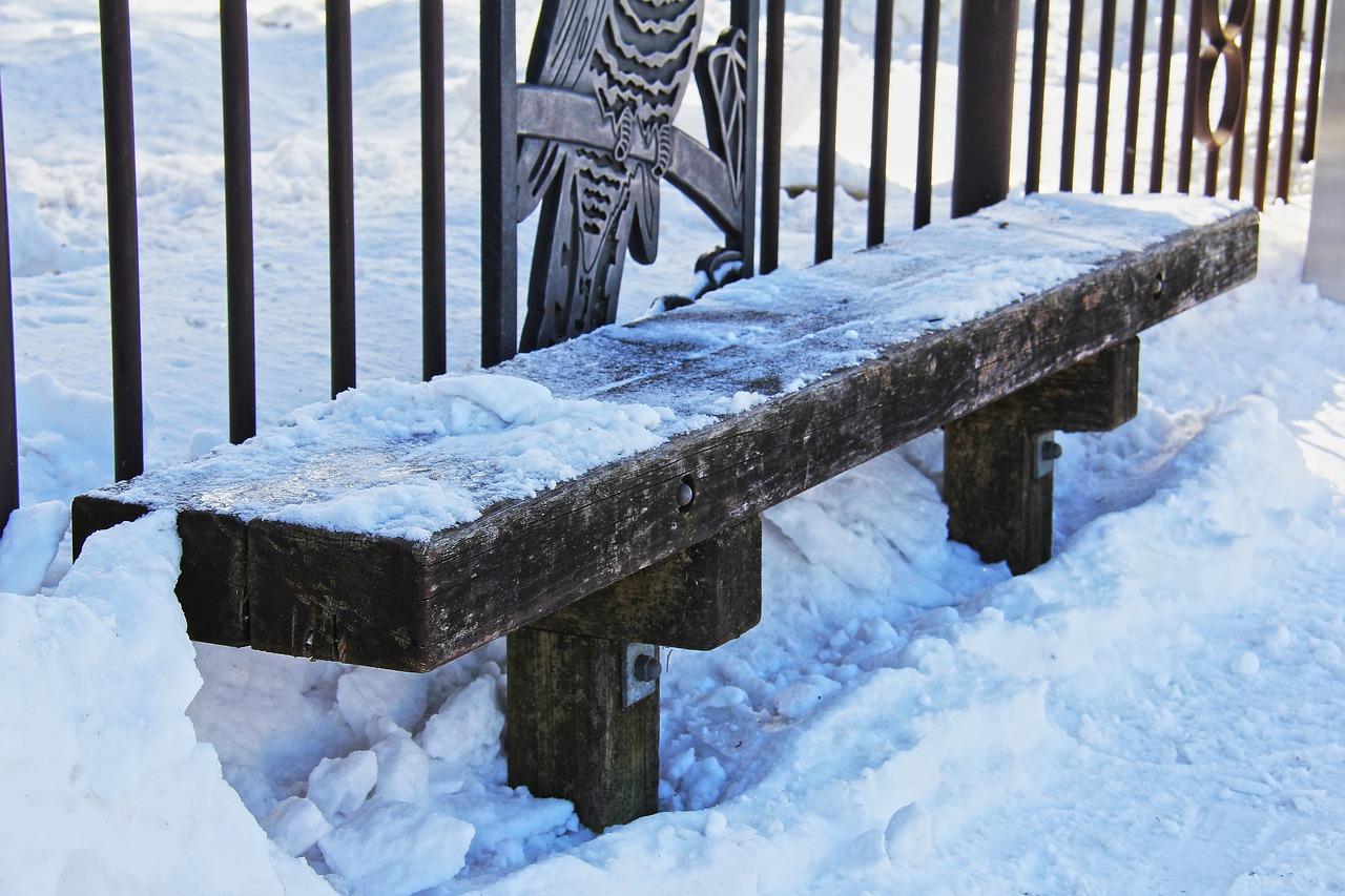 梦见凳子 梦见家里桌子凳子很脏
