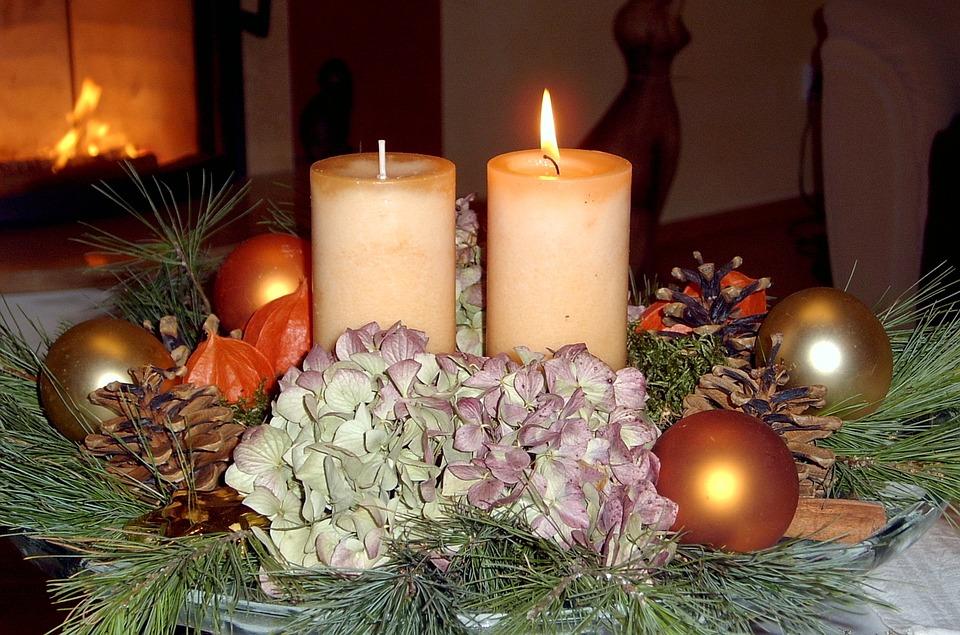 Gratis foto advent levande ljus dekoration gratis - Dekoration advent ...
