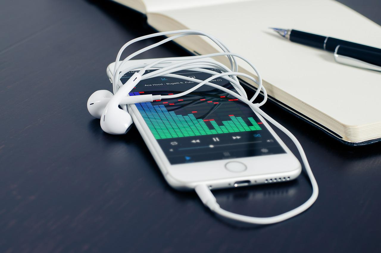 Headphones with equaliser app on phone