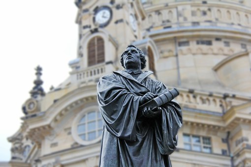 Martin Luther, Church, Pray
