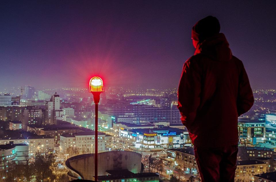 男, 屋上からの眺め, バックからの眺め, ボロネジ, ルーフィング