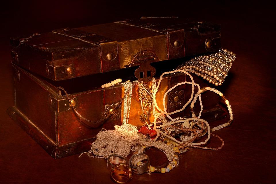 treasure chest free images on pixabay