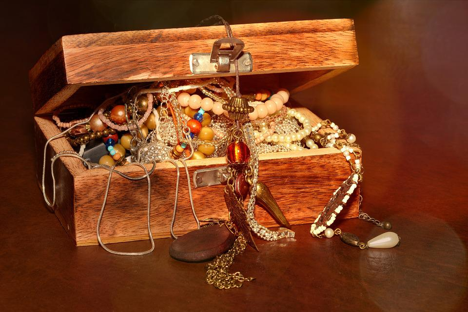 Treasure Chest, Chest, Jewellery, Open, Lighting