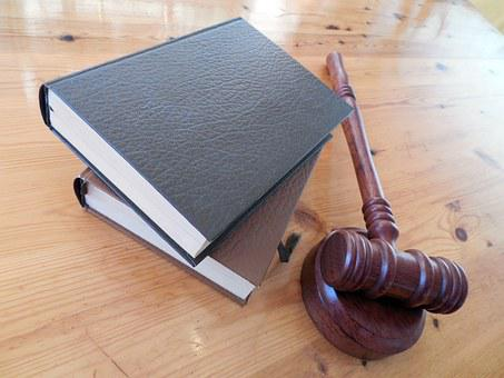 Hammer Books Law Court Lawyer Paragraphs R