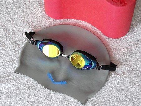 水泳帽, 水泳用ゴーグル, 耳栓・ イヤープラグ, バスタオル, 水泳機器