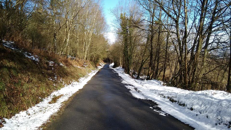 Foto Gratis Jalan Pemandangan Bersalju Gambar Musim Dingin Salju