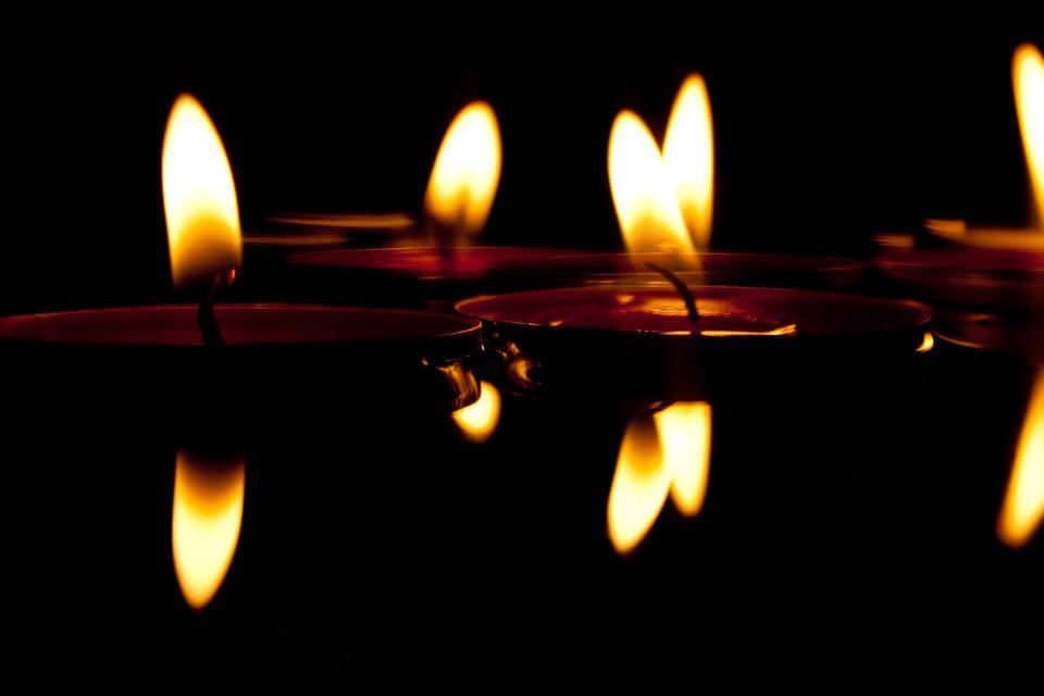 velas el agua luz de una vela las luces nadar