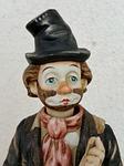 statuette, vagabond, hat