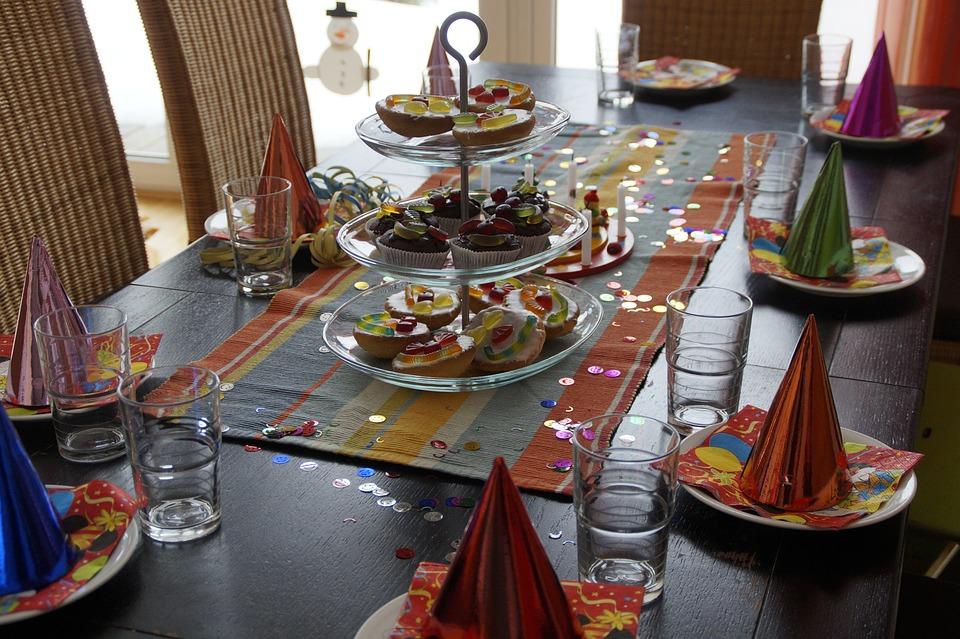 Tavolo Compleanno Bambini : Idee per la tavola di compleanno dei bambini fotogallery