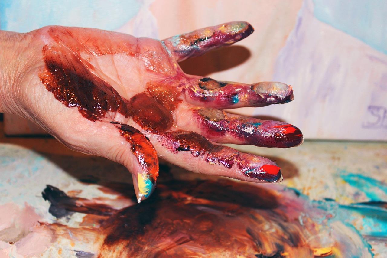 Смыть краску с рук в домашних условиях